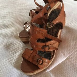 Jessica Simpson camel colored  wedges